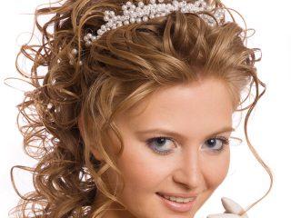 Gli accessori per la sposa che vi faranno sentire una vera principessa