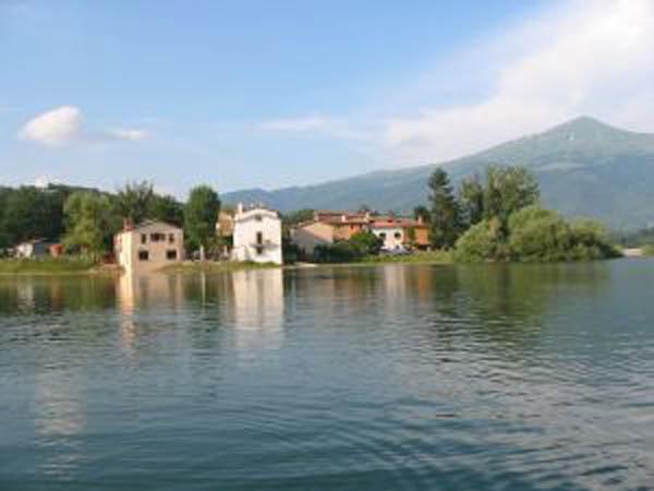 Agriturismo piccolo lago