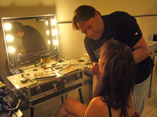 Enzolaera Makeup Artist