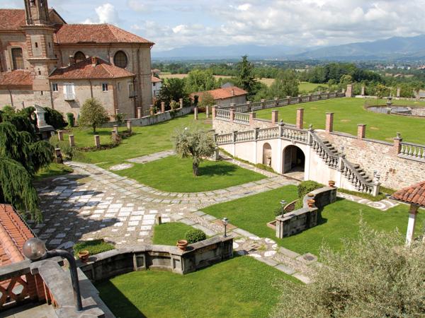 Location Matrimonio Rustico Piemonte : Villa merlin location matrimoni per il ricevimento bairo