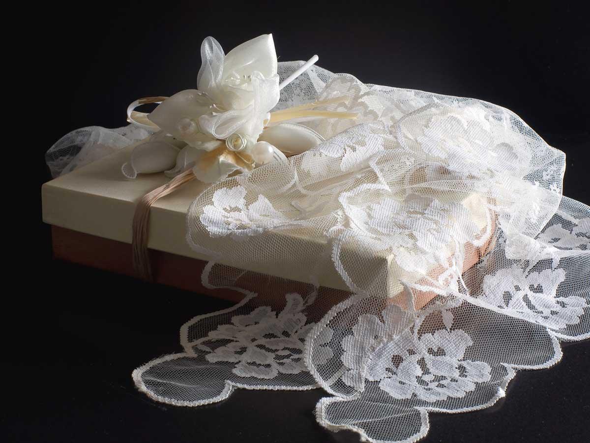 Bomboniere Matrimonio Stile Rustico : Partecipazioni e bomboniere di nozze in completo stile