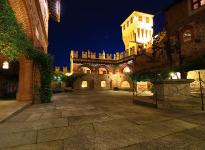 ' .  addslashes(Castello di Pavone) . '