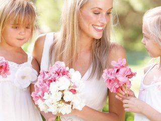 Fiori per il matrimonio coordinati per la sposa  e tutto il suo seguito di damigelle