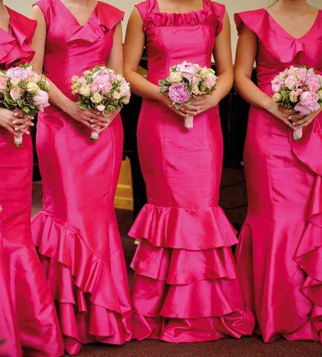 Save the date, cake toppers and bridesmaids: check. Ti sposi all'inglese, ma... Can you speak english?
