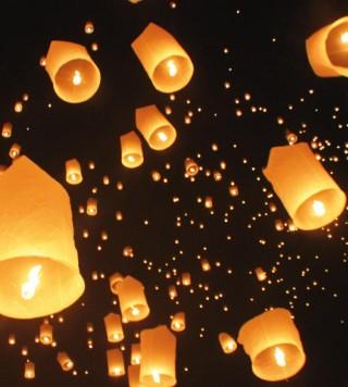 Mille lanterne volano in cielo a salutare i nuovi sposi - Guidasposi.it