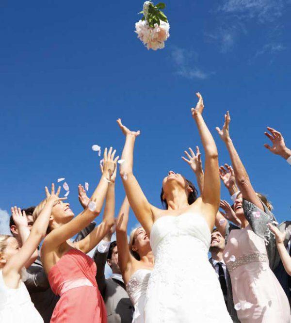 Prendere Il Bouquet Della Sposa.E Chi Prende Il Bouquet Da Sposa Al Volo Sara La Prossima