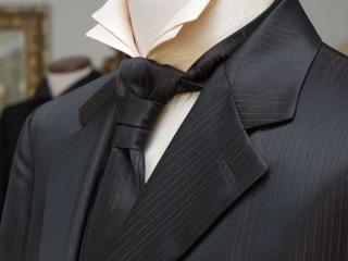 Che eleganza potete mostrare, se non indossate una cravatta per lo sposo perfetta?