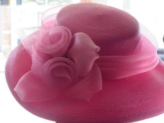 """Un matrimonio """"en chapeau"""" per chi non può rinunciare a questo simpatico accessorio"""