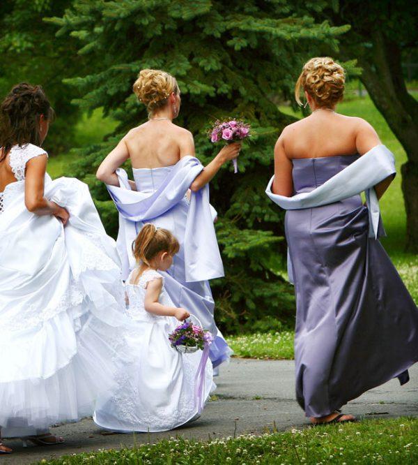 Qual è il dress code perfetto per la testimone di nozze?