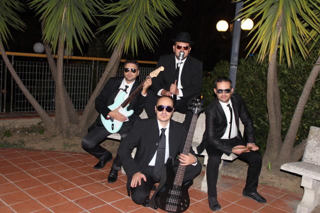 Men in Black_band