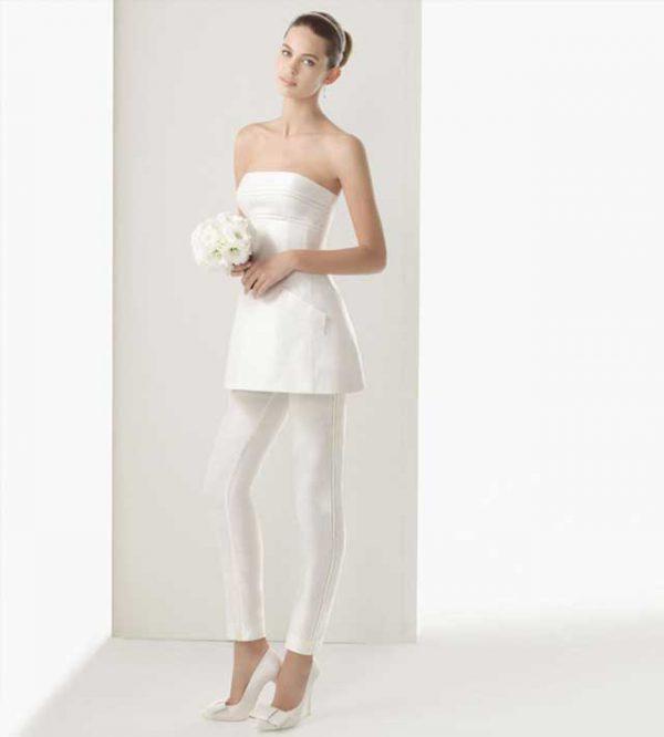 Un vestito da sposa decisamente affascinante… anche con i pantaloni