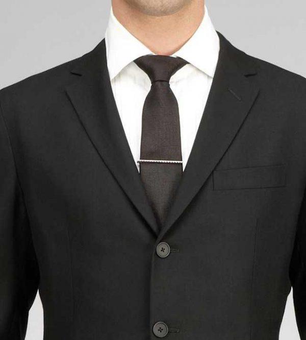 """L'abito da sposo e la possibilità di arricchirlo con """"preziosi"""" accessori"""