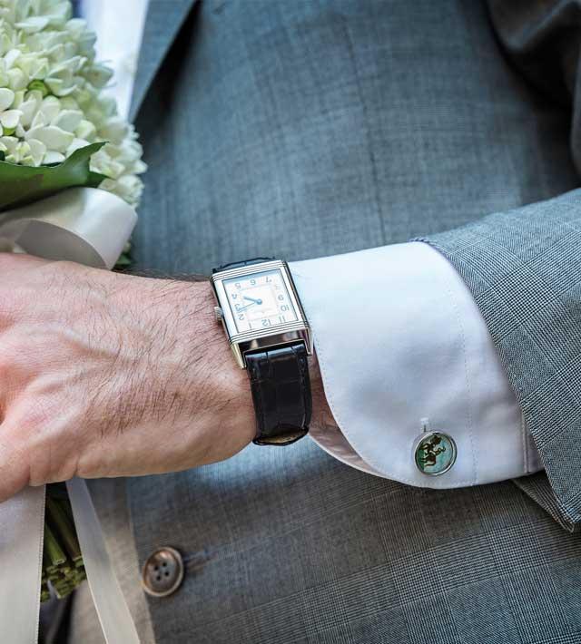 Un abito da sposo brillante... grazie ai suoi preziosi gioielli