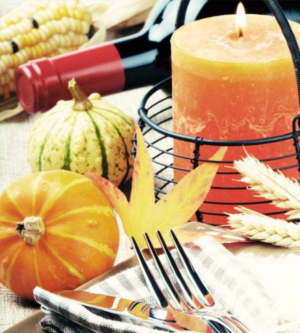 Ricevimento autunnale presso il ristorante scelto: la mise en place per la tavola si basa su toni caldi