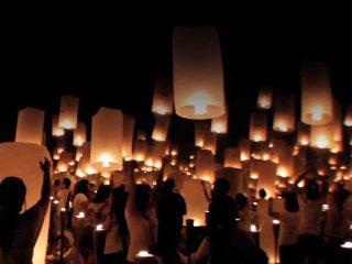 Un finale a sorpresa per stupire e farsi ricordare da tutti: lanterne volanti e fuochi artificiali