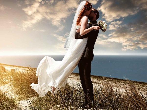 Souvent Per gli scatti delle nozze i fotografi di matrimonio vi stupiranno  JR24