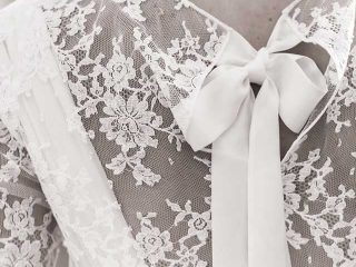 Fra le tendenze abiti da sposa in rilievo la sposa ispirata allo stile vintage