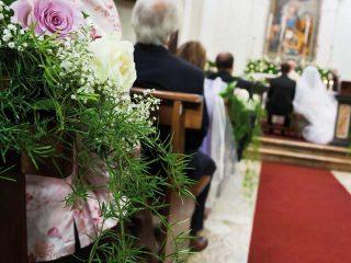 L'addobbo floreale per il matrimonio in chiesa: consigli, tendenze e suggerimenti