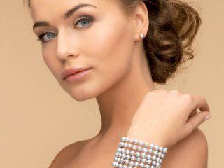 Quali sono i gioielli per una sposa elegante? I \