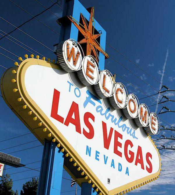 E se ci si RI-sposasse a Las Vegas, in viaggio di nozze?