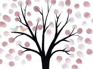 Un guestbook originale per il matrimonio: l'albero delle impronte