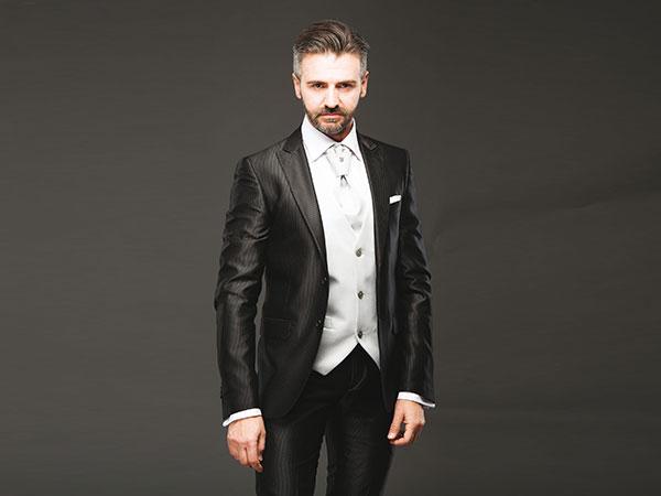 Sconto di 50 Euro se acquistate l'abito da sposo e gli accessori presso la boutique Erzegovaz
