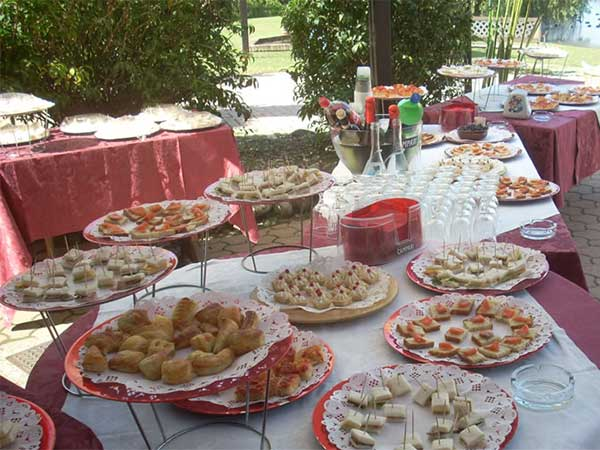 Agli sposi che prenotano il banchetto presso il ristorante la barcaccia in omaggio la degustazione del menu
