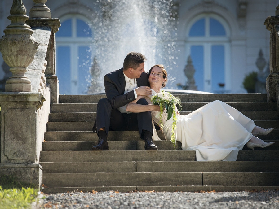 Matrimonio a Pisa? Per gli stranieri il fotografo in Piazza dei Miracoli c\'è sempre