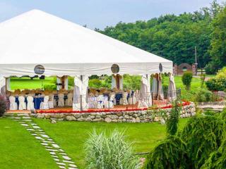 Un ricevimento per un matrimonio indimenticabile con i colori dell'estate