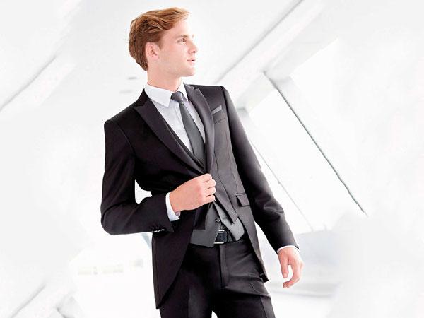 Gruppo Ci-Due - Centro Sposi offre in omaggio gemelli e cintura se acquistate l'abito da sposo