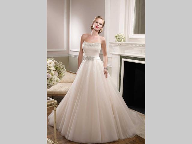 Trucco in omaggio acquistando un abito da sposa da Gruppo Ci-Due Centro Sposi