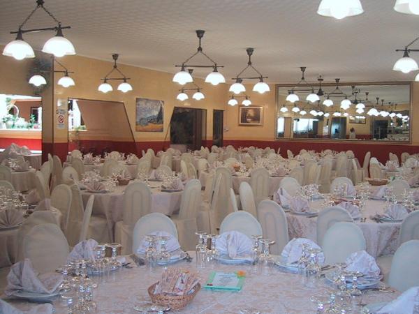 Al ristorante Le Due Magnolie prova del menù in omaggio agli sposi che prenotano il banchetto