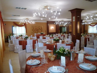 Degustazione del menù e camera in omaggio agli sposi che prenotano presso il ristorante Lo Scoiattolo