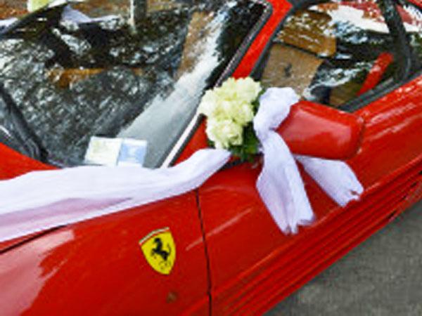 Guidasicura Supercar offre agli sposi il noleggio di una Ferrari F348 con autista a un prezzo davvero speciale