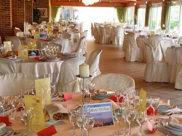 Un omaggio a scelta per gli sposi che organizzano il banchetto presso la Tenuta San Martino