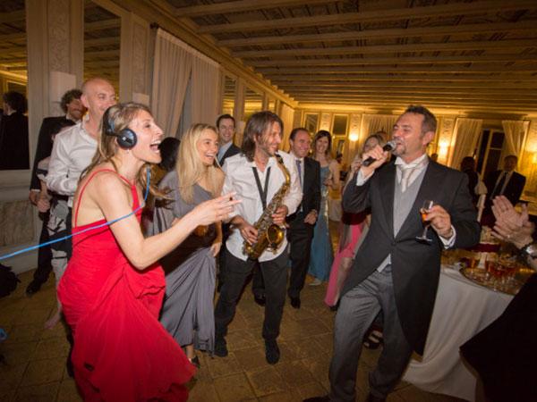 Sconto del 50% per la musica in chiesa se prenotate per tutto il ricevimento la cantante Sara Conforti