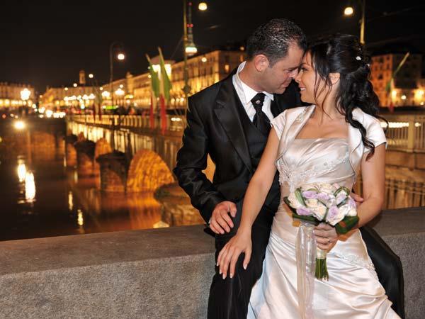 In omaggio poster, auto e addobbo floreale per gli sposi che prenotano il servizio fotografico da Turin Foto