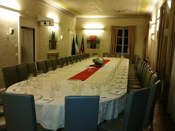 Prezzo speciale di 50 Euro per i menù nuziali feriali e fuori stagione presso il ristorante Villa Salina