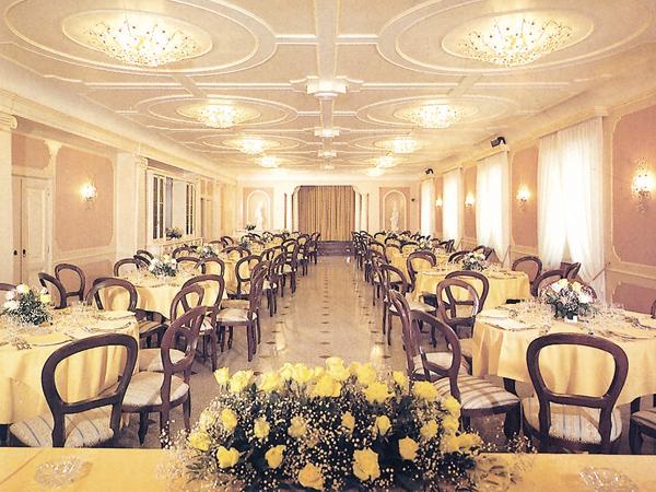 Menù nuziali feriali e fuori stagione al prezzo speciale di 55 Euro presso il ristorante Villa Salzea