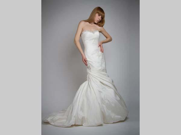 Sconto del 10% sull'abito da sposa acquistato presso Vogue Spose Torino