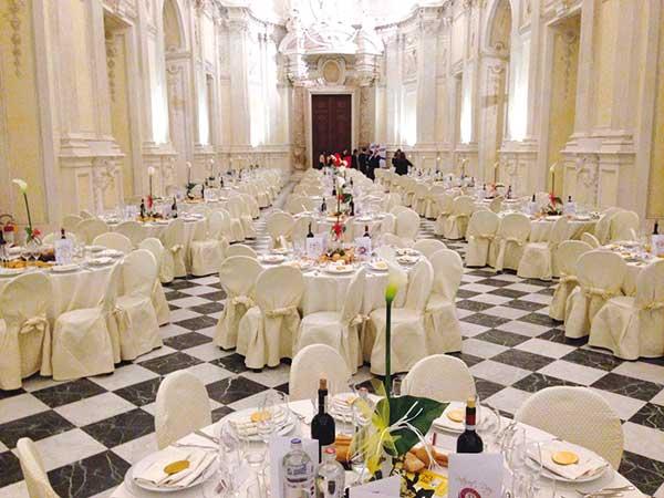 Castello e menù a partire da 75 Euro se organizzate il banchetto con Catering Piemonte