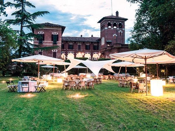 Amis d'la Ribota Agriturismo offre al prezzo speciale di 80 Euro il pranzo di nozze in un castello d'epoca