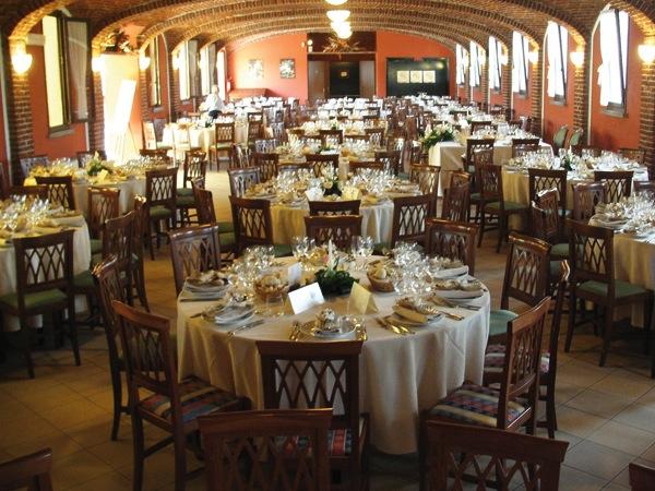 I due sposi saranno ospiti nel giorno delle nozze prenotando presso il ristorante Il Canonico