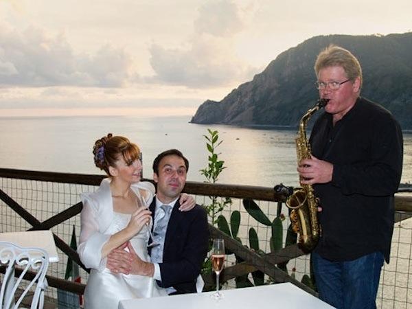 Duo Giancarlo Music applica il 15% di sconto sull'accompagnamento musicale a tutti gli sposi