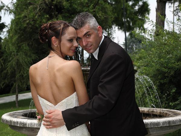 Lo studio fotografico G.B.S. a partire dal prezzo base applica agli sposi l'utile 5% di sconto