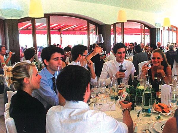 In omaggio una camera per gli sposi che prenotano il banchetto presso il ristorante Hasta Hotel