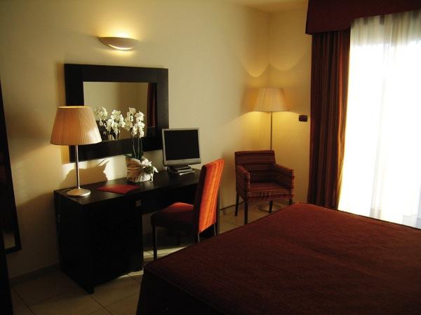 Camera e prova menù in omaggio agli sposi che prenotano presso La Fornace – Centro congressi hotel