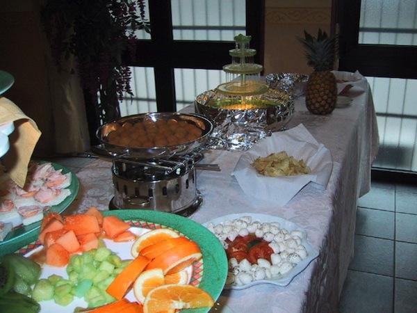 Prezzi speciali sui menù nuziali feriali e fuori stagione presso il ristorante Le Due Magnolie