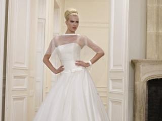 Acquistando l'abito da sposa al primo appuntamento da Primula Bianca avrete diritto al 20% di sconto