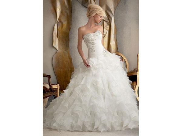 Un vantaggioso sconto del 15% sugli abiti da sposa acquistati da Spose di Cleo di Rivoli